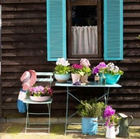 Minimalist Creative Garden Ideas To Enhance Your Small House Beautiful03