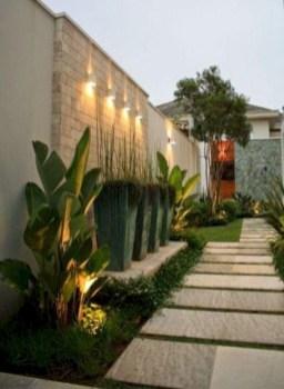 Minimalist Creative Garden Ideas To Enhance Your Small House Beautiful15