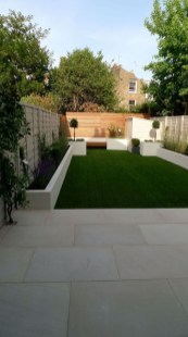 Minimalist Creative Garden Ideas To Enhance Your Small House Beautiful27
