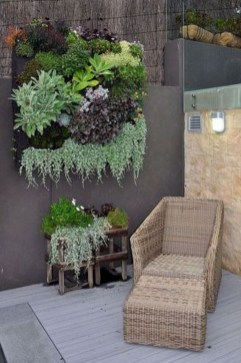 Minimalist Creative Garden Ideas To Enhance Your Small House Beautiful36
