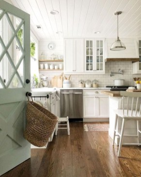 Awesome Farmhouse Kitchen Cabinet Design Ideas You Should Know That45