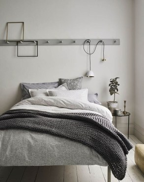 Make Your Bedroom Cozy With Neutral Bedroom Decorations06