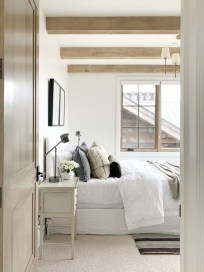 Make Your Bedroom Cozy With Neutral Bedroom Decorations14