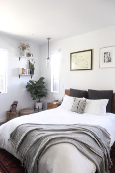 Make Your Bedroom Cozy With Neutral Bedroom Decorations15