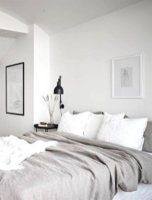 Make Your Bedroom Cozy With Neutral Bedroom Decorations22