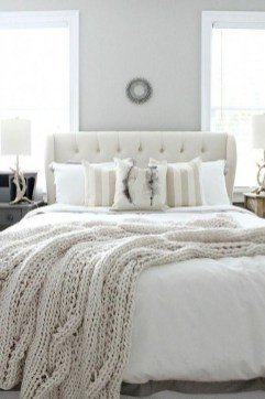 Make Your Bedroom Cozy With Neutral Bedroom Decorations25