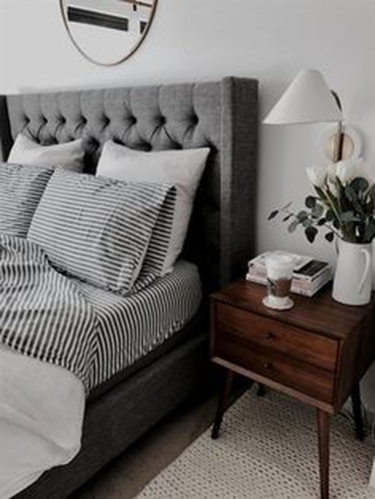 Make Your Bedroom Cozy With Neutral Bedroom Decorations37