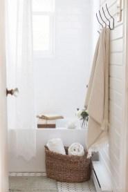 Simple Bathroom Accessories You Can Copy04