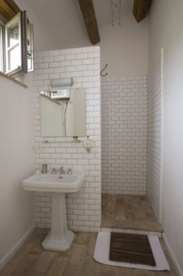 Simple Bathroom Accessories You Can Copy15
