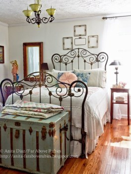 Vintage Nist Bedroom Decoration Ideas That Look More Beautiful26