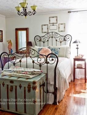 Vintage Nist Bedroom Decoration Ideas That Look More Beautiful26