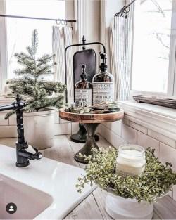 Wonderful Farmhouse Decor Ideas With Beautiful Greenery02
