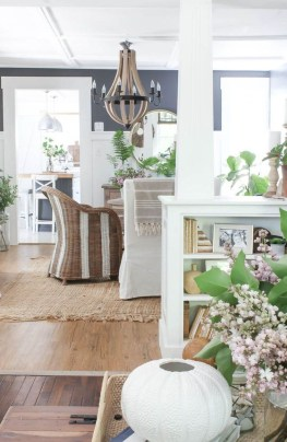 Wonderful Farmhouse Decor Ideas With Beautiful Greenery34