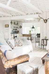 Attractive Lake House Living Room Decor Ideas03
