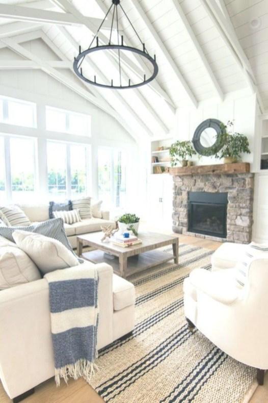 Attractive Lake House Living Room Decor Ideas39