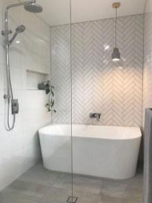 Captivating Small Master Bathroom Ideas02