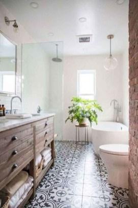 Captivating Small Master Bathroom Ideas24