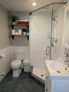Captivating Small Master Bathroom Ideas31