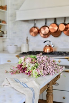 Cool French Country Kitchen Decorating Ideas34