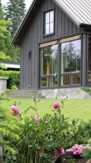 Creative Lake House Exterior Designs Ideas10