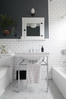 Elegant Bathroom Sink Decorating Ideas For Bathroom06