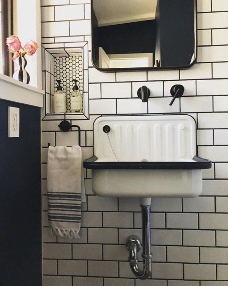 Elegant Bathroom Sink Decorating Ideas For Bathroom42