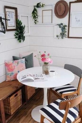 Elegant Small Dining Room Decorating Ideas37