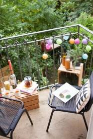 Enjoying Summer Balcony Decor Ideas20