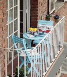 Enjoying Summer Balcony Decor Ideas32