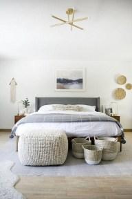 Impressive Coastal Bedroom Decorating Ideas02