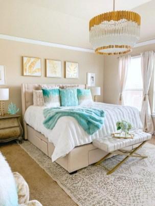 Impressive Coastal Bedroom Decorating Ideas08