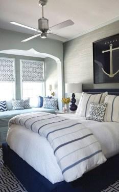 Impressive Coastal Bedroom Decorating Ideas09