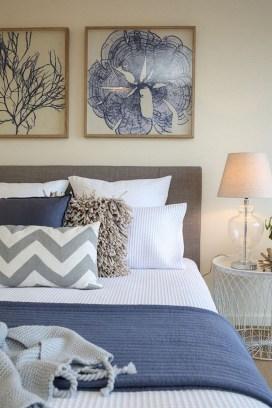 Impressive Coastal Bedroom Decorating Ideas17