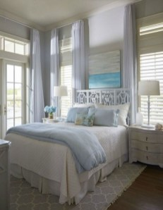 Impressive Coastal Bedroom Decorating Ideas20