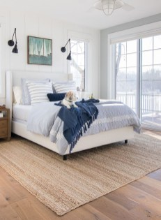Impressive Coastal Bedroom Decorating Ideas28