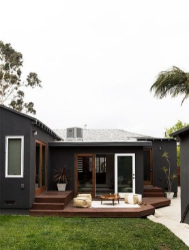 Incredible Homes Decorating Ideas With Black Exteriors33