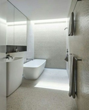 Minimalist Bathroom Bathtub Remodel Ideas17