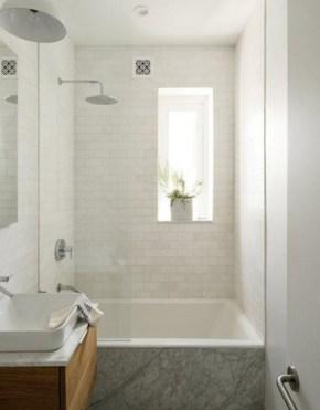 Minimalist Bathroom Bathtub Remodel Ideas34