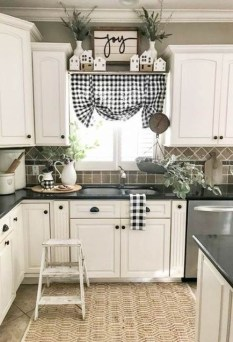 Pretty Farmhouse Kitchen Makeover Design Ideas On A Budget25