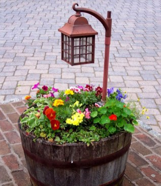 Rustic Front Yard Landscaping Ideas06