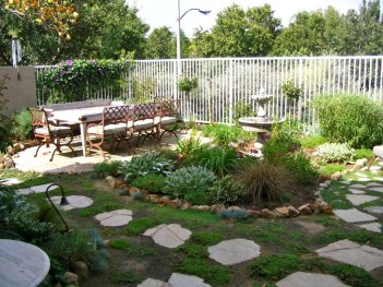 Rustic Front Yard Landscaping Ideas13