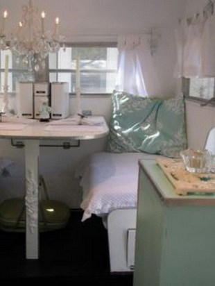 Shabby Chic Trailer Makeover Renovation Ideas06