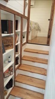 Astonishing Tiny House Design Ideas With Fabulous Storage30