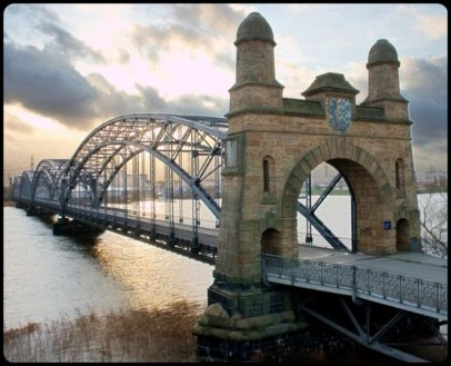 Extraordinary Bridges You Must Cross32