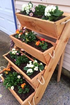 Fantastic Outdoor Vertical Garden Ideas For Small Space35