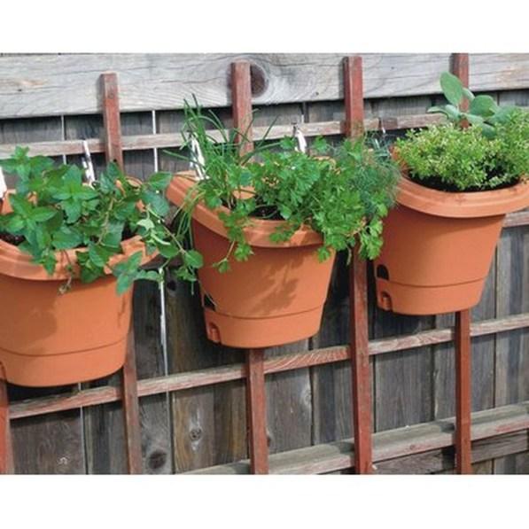 Fantastic Outdoor Vertical Garden Ideas For Small Space48