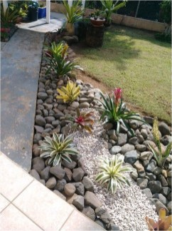 Fascinating Side Yard And Backyard Gravel Garden Design Ideas That Looks Cool04