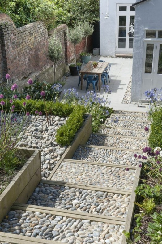 Fascinating Side Yard And Backyard Gravel Garden Design Ideas That Looks Cool47