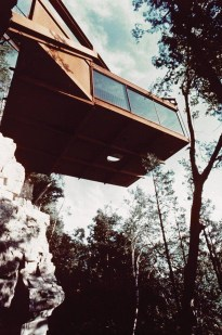 Fearsome Cliff Side Houses With Amazing Views12