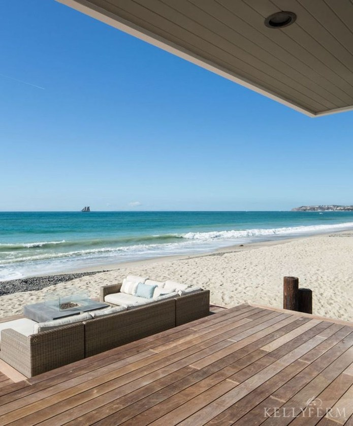 Jaw Dropping Summer Beach House Designs23